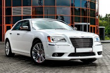21 chrysler 300 new 10